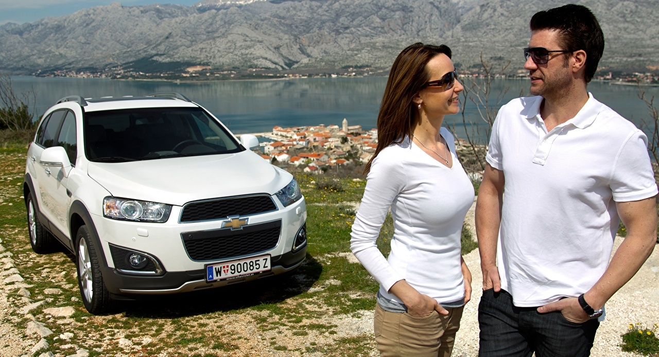 Chevrolet Varón Captiva, 2013 Blanco Crossover Dos Gafas Mano autos, automóvil, automóviles, el carro, lentes, anteojos, 2 Coches