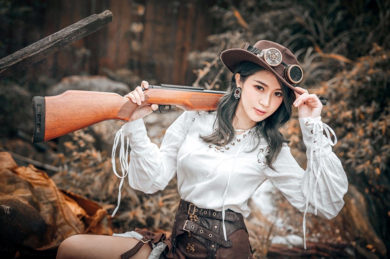 Asiatique Fusil de chasse Rétro style Lin Jiayi Cosplay Chasse Chapeau Lunettes Main Voir Bokeh jeune femme, jeunes femmes, asiatiques, ancien, Regard fixé, cosplayers, arrière-plan flou Filles