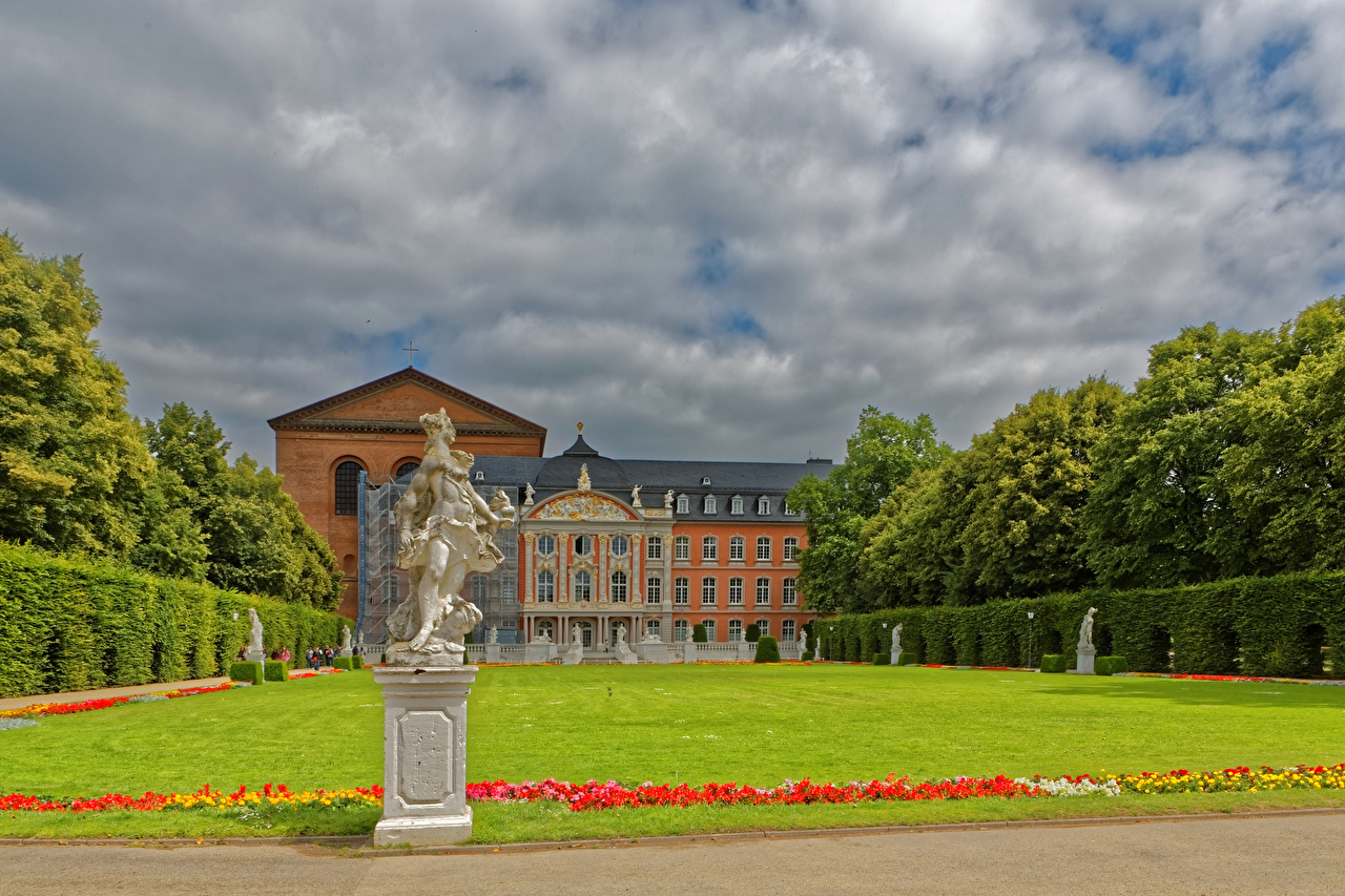 Pictures Palace Germany Trier Lawn Cities Building Sculptures Houses