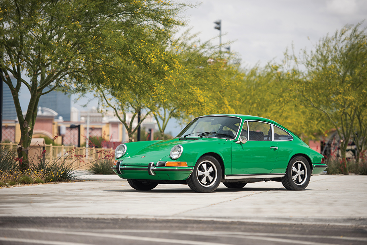 Wallpaper Porsche 1969-71 911 E 2.2 Coupe Retro Green automobile vintage antique Cars auto