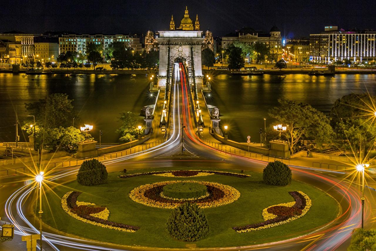 Tapety Budapeszt Węgry Danube, Chain bridge Mosty Noc Rzeki Latarnia uliczna Miasta most rzeka w nocy miasto