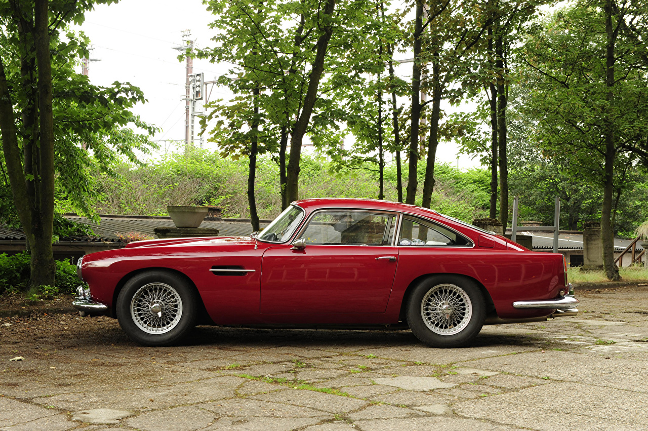 Desktop Wallpapers Aston Martin 1960-61 DB4 Worldwide Touring Red Retro Cars Side Metallic vintage antique auto automobile
