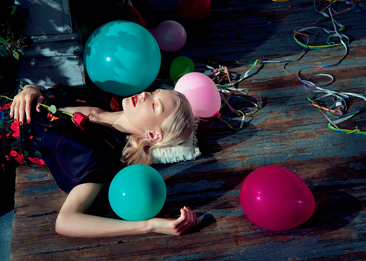 Images Birthday Toy balloon Jessica Stam Numero 2015 Girls Celebrities balloons female young woman