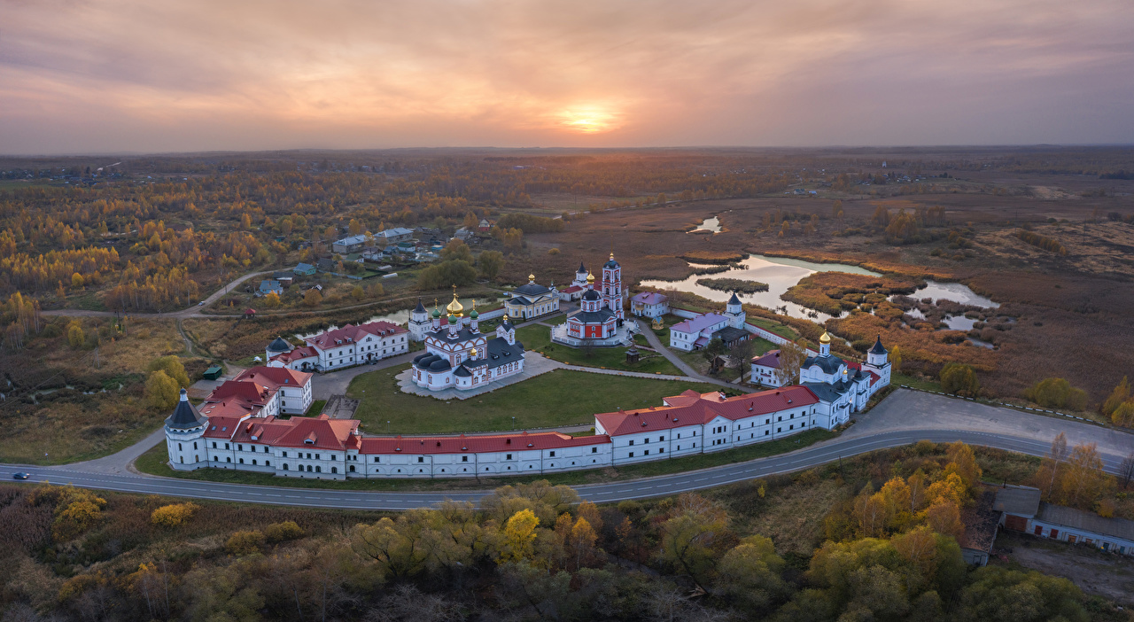 Picture Church Russia Troitse-Sergiev Varnitskiy Monastery Rostov sunrise and sunset Temples Cities Sunrises and sunsets temple