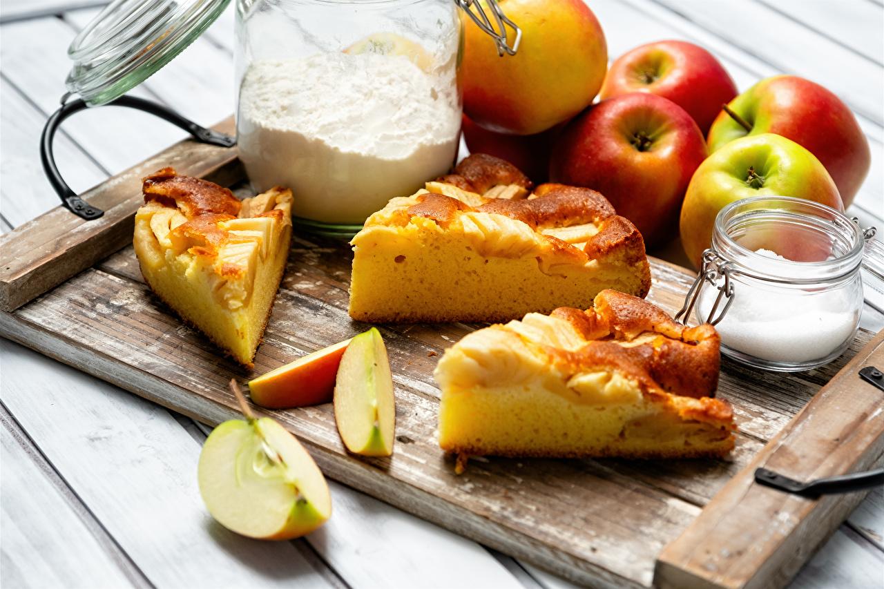Fotos Obstkuchen Mehl Zucker Äpfel stücke Einweckglas Lebensmittel Schneidebrett Stück Weckglas das Essen