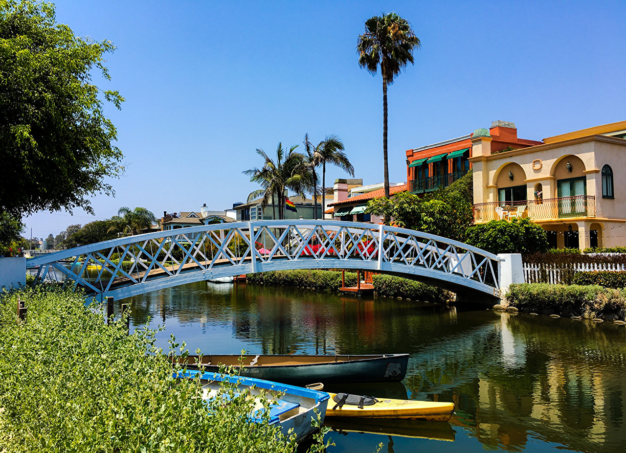 Image California Los Angeles USA Venice Canal Bridges Boats Houses Cities bridge Building