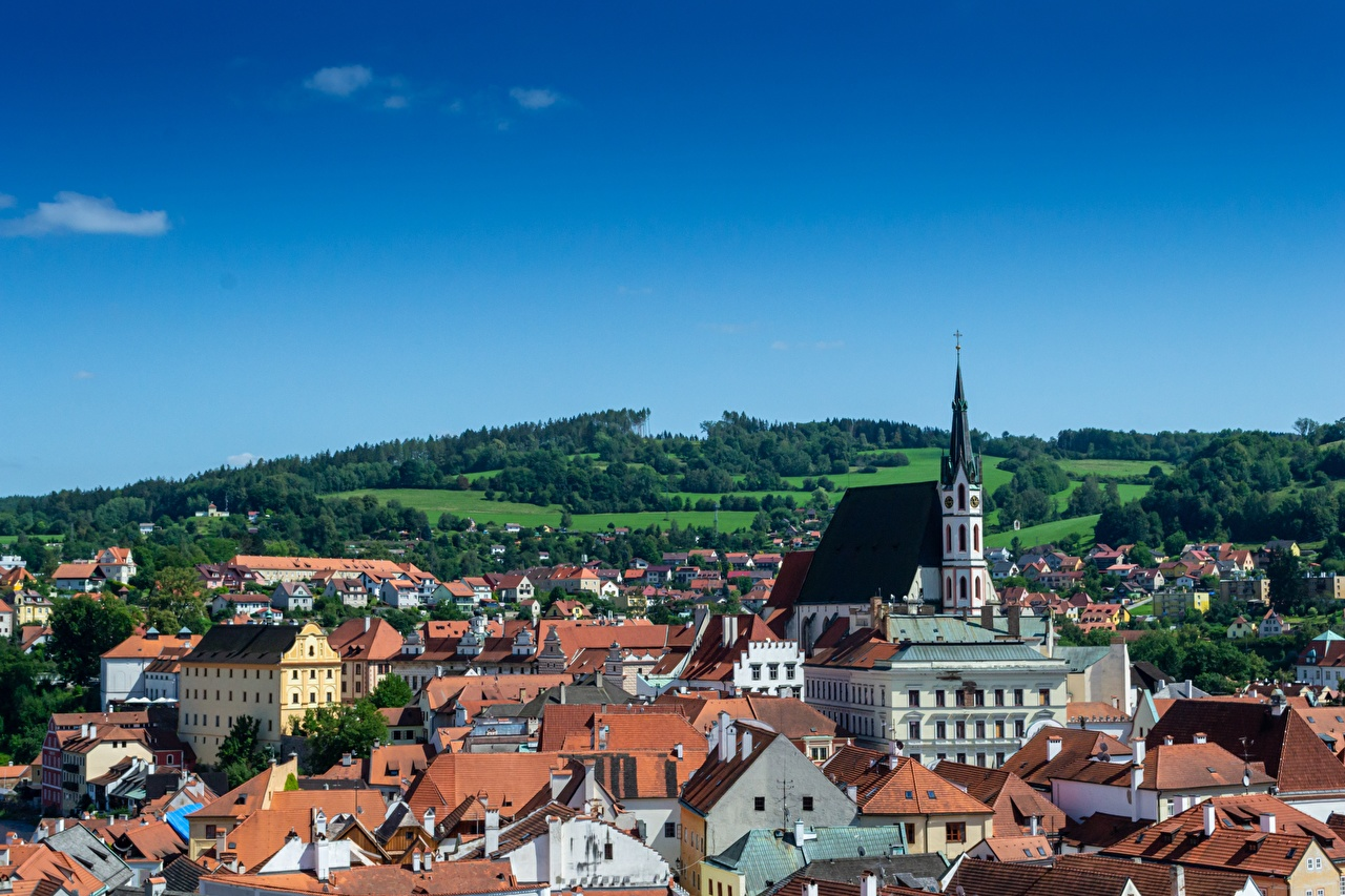 Picture Church Czech Republic Chesky-Krumlov, Bohemia Roof Houses Cities Building