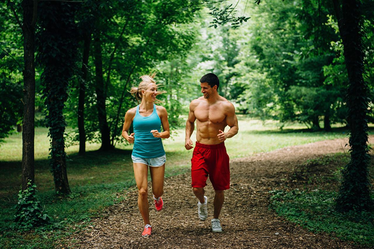 Photos Men Physical exercise Run Smile Two Girls athletic