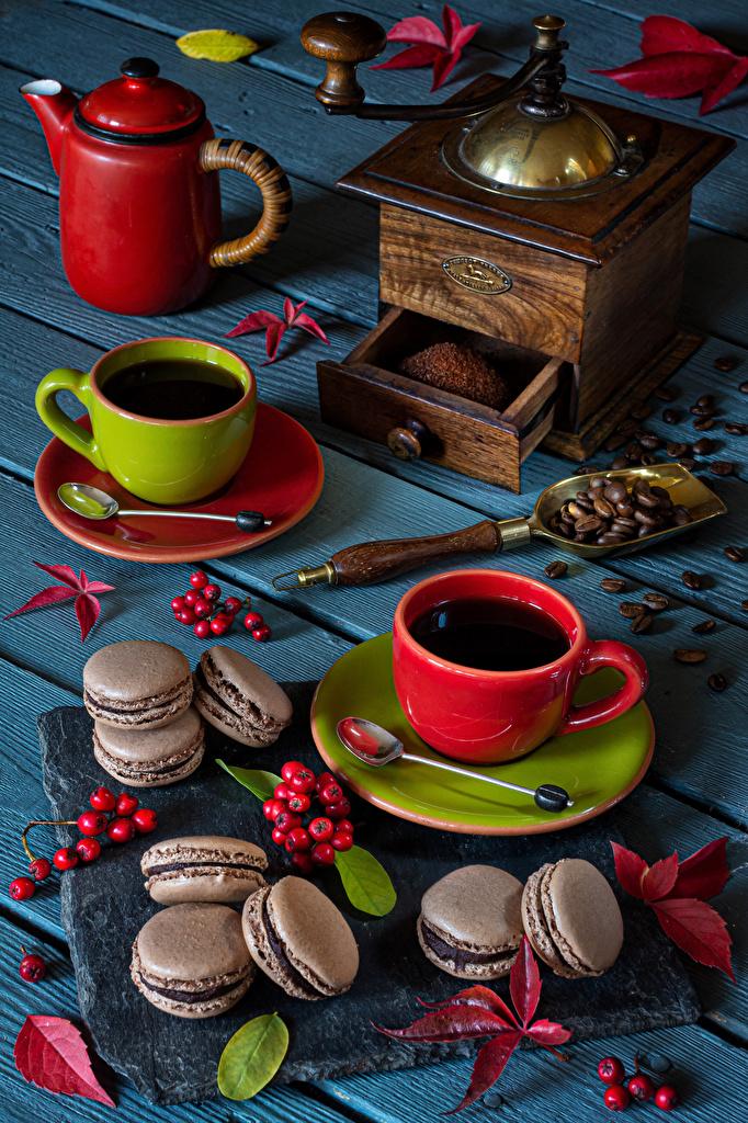 Desktop Hintergrundbilder das Essen Tasse Getreide Kaffee Macaron Hagebutte Blatt Bretter Kaffeemühle  für Handy Lebensmittel macarons wilde rosafarbene frücht Blattwerk