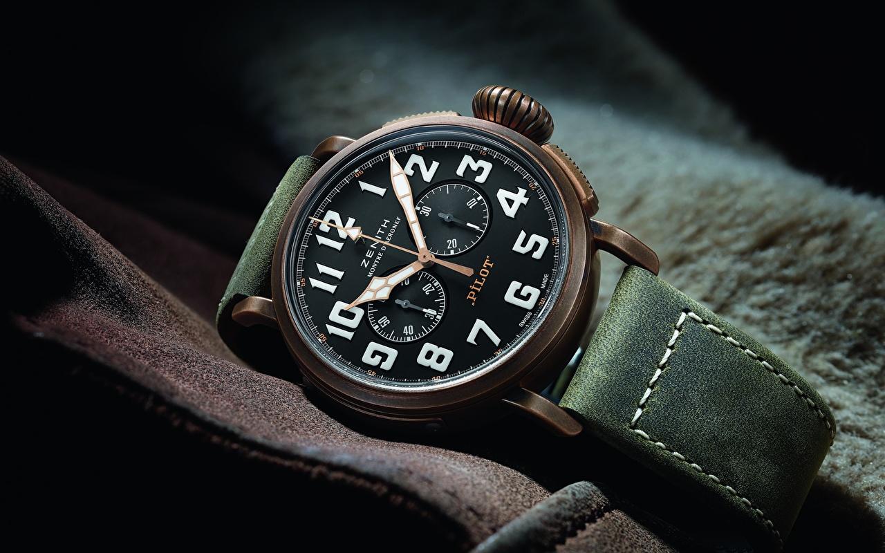 Fotos Zenith Pilot Type 20 Extra Special Chronograph Armbanduhr Uhr hautnah Nahaufnahme Großansicht