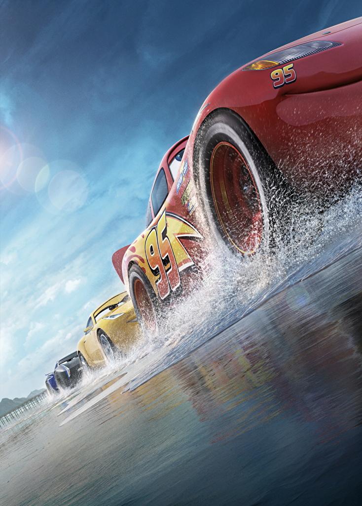 Bilder von Cars 3 Untersicht Ansicht von unten Lightning McQueen, Cruz RamireJackson Stormz Rad Animationsfilm Zeichentrickfilm