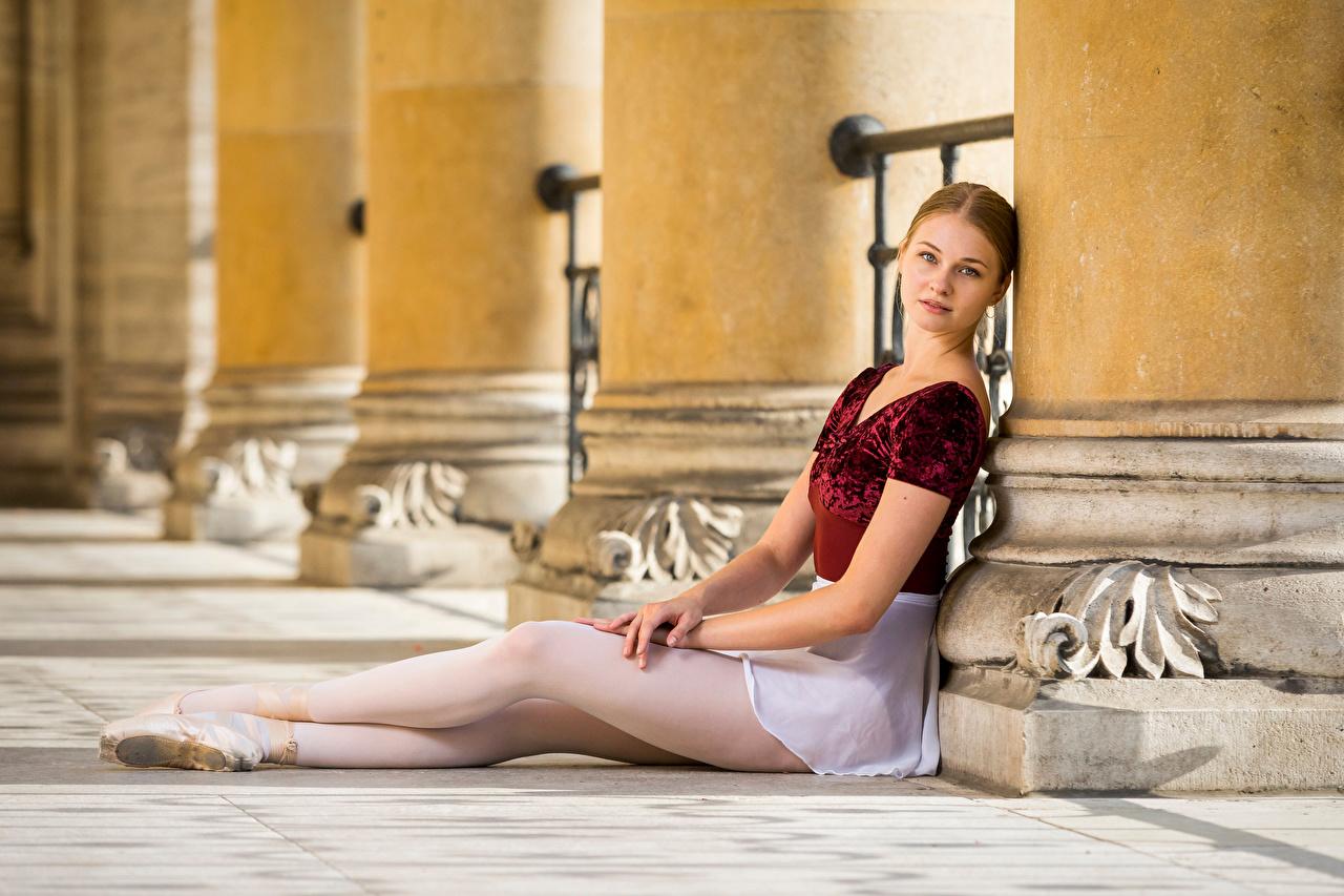 Desktop Wallpapers Ballet Valerie female Legs Sitting Staring Girls young woman sit Glance