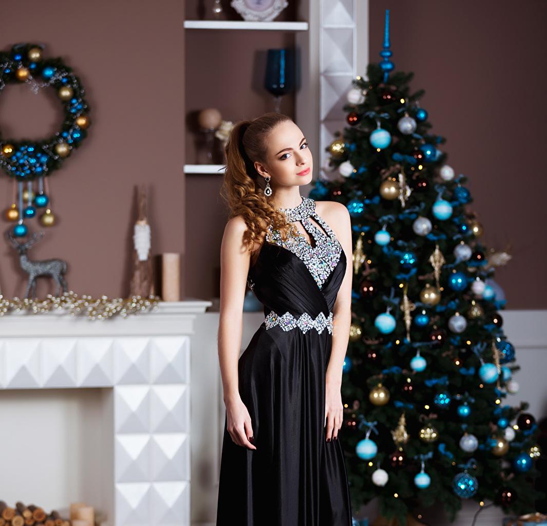 Kleid Tannenbaum.Desktop Hintergrundbilder Neujahr Braunhaarige Mädchens Christbaum