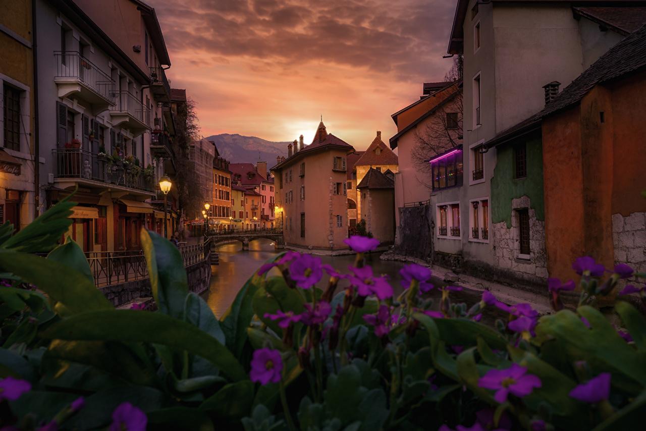 Bilder Frankrike Annecy Kanal farvann Kveld Hus byen Byer en by bygning bygninger