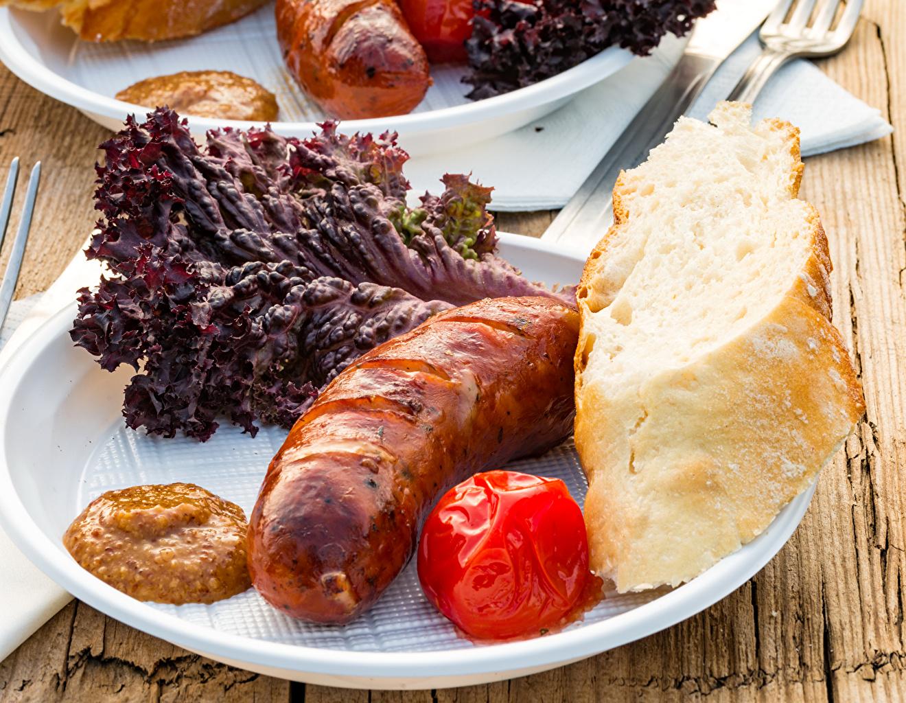 Bilder Brot Frankfurter Würstel Teller Gemüse Lebensmittel Fleischwaren Wiener Würstchen