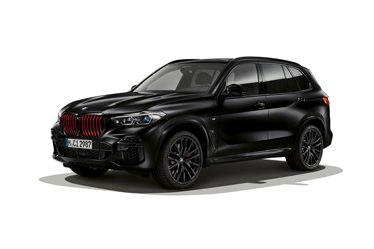 Picture BMW CUV X5 M50i Edition Black Vermilion, (Worldwide), (G05), 2021 Side automobile White background Crossover Cars auto