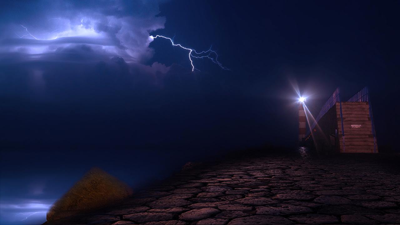 壁紙 フランス 海岸 灯台 空 Port La Nouvelle 夜 雷 自然