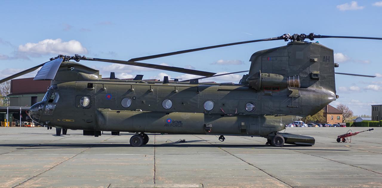 Desktop Hintergrundbilder Hubschrauber Boeing-Vertol CH-47 HC.4 Chinook ZA680-2 Seitlich Luftfahrt