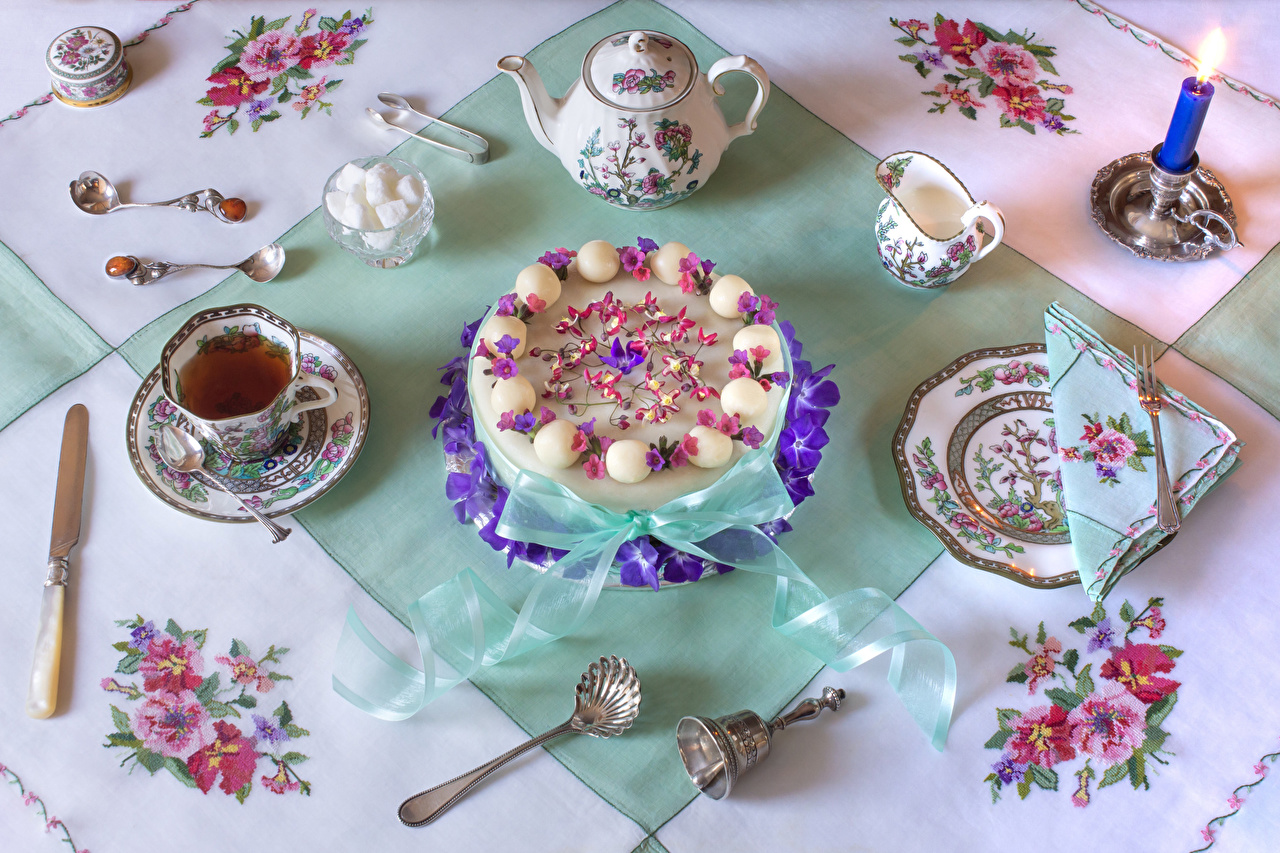 Photo Knife Tea Torte Sugar Kettle Cup Food Plate Spoon Candles Table appointments Design Cakes