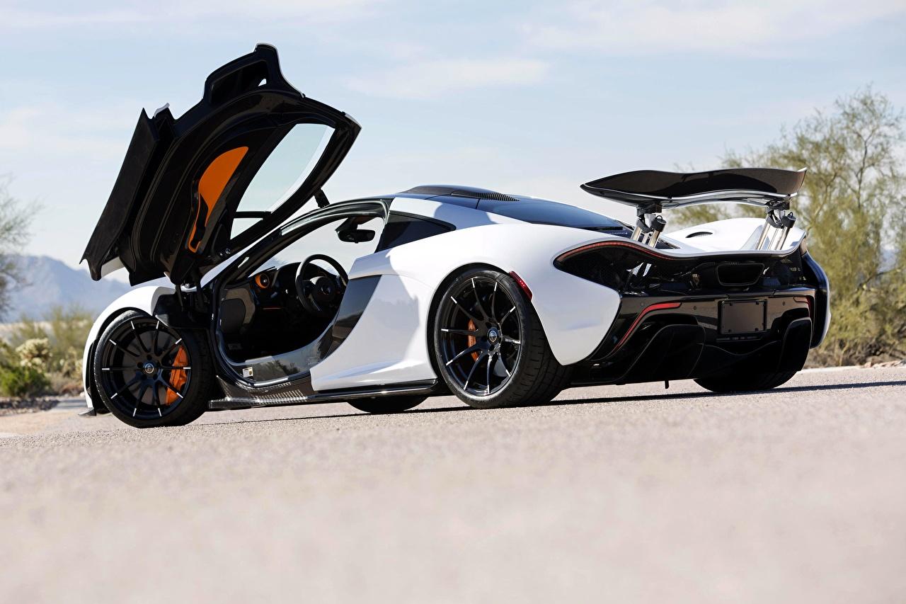 Picture McLaren Opened door P1, hybrid Coupe White auto Metallic Cars automobile