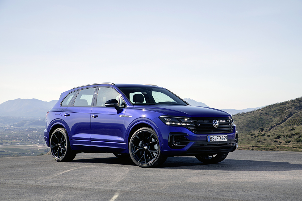 Foto's Volkswagen Cross-over auto 2020 Touareg R Worldwide Blauw kleur auto's Auto automobiel