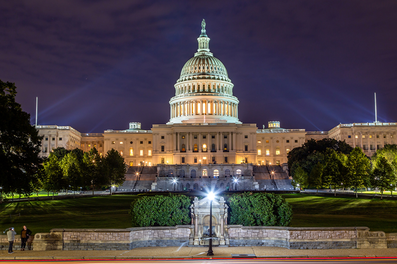 Photos Washington USA Capitol Building Evening Street lights Houses Cities