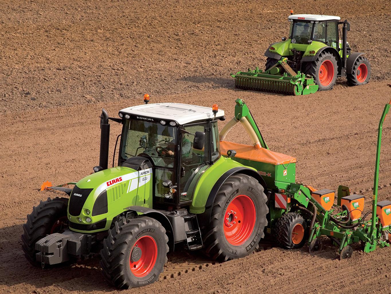 Bilder Landwirtschaftlichen Maschinen Traktor Claas Arion 610 Claas Arion 510 Zwei Felder traktoren 2 Acker