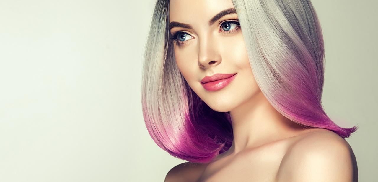 Fotos von Blondine Make Up Gesicht Mädchens Blick Blond Mädchen Schminke Starren