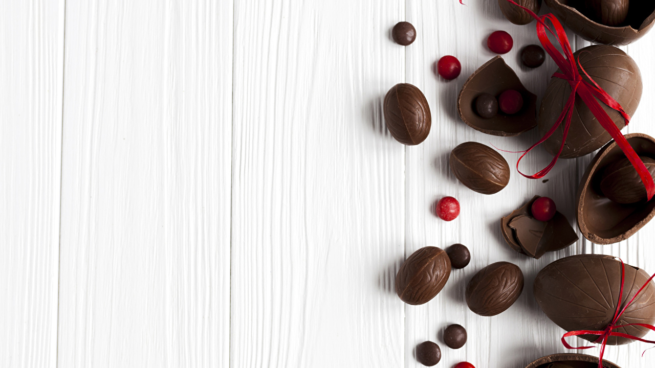 Desktop Wallpapers Easter Eggs Chocolate Food Bowknot Sweets Wood planks egg bow knot confectionery boards