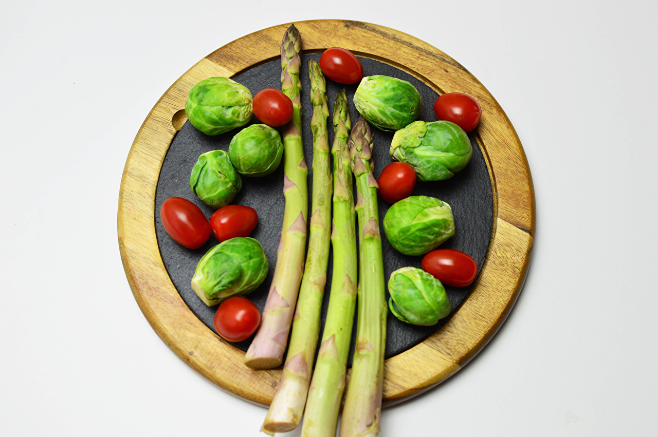 Desktop Wallpapers Asparagus Brussels sprout Tomatoes Food Vegetables Cutting board Gray background