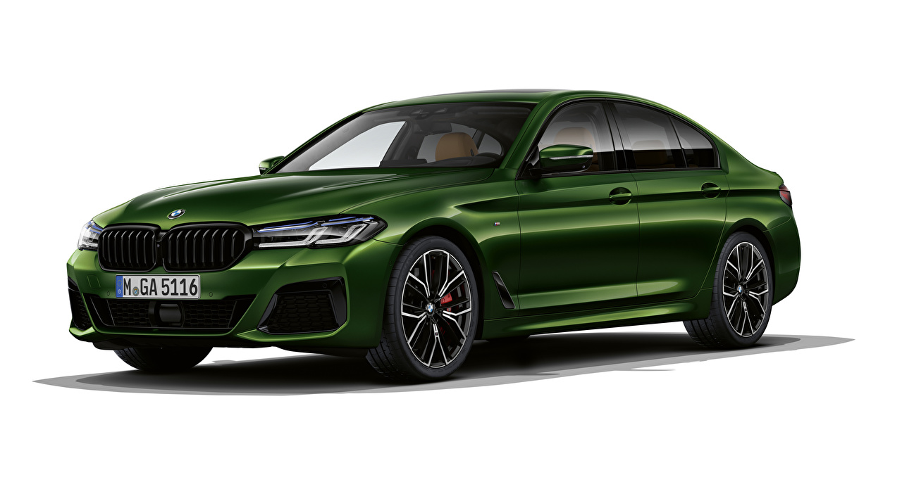 Pictures BMW 2020 M550i xDrive Worldwide Green Cars White background auto automobile