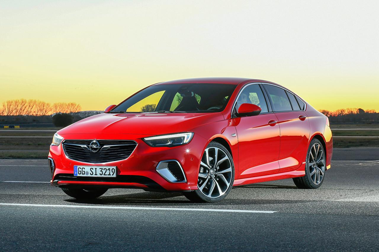 Desktop Hintergrundbilder Opel 2017-18 Insignia GSi Rot Autos Metallisch auto automobil