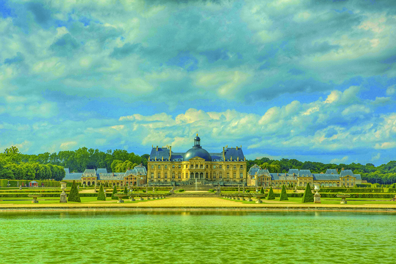Picture France Chateau de Vaux HDR castle Parks river Cities HDRI Castles park Rivers