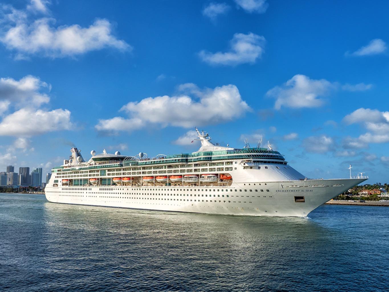 zdjęcia Miami USA Statek wycieczkowy Enchantment of the Seas Biały stany zjednoczone