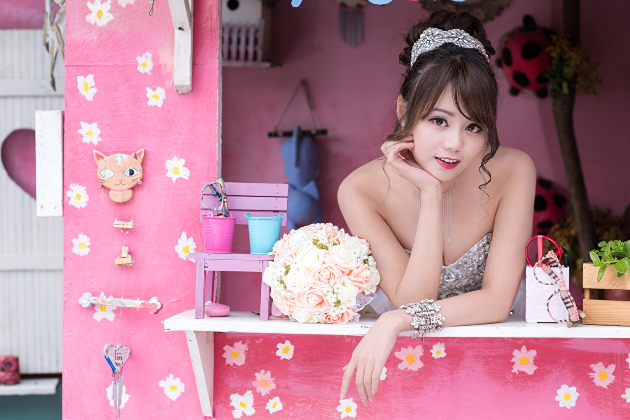 Images Brown haired Bouquets young woman Asian Hands Staring bouquet Girls female Asiatic Glance