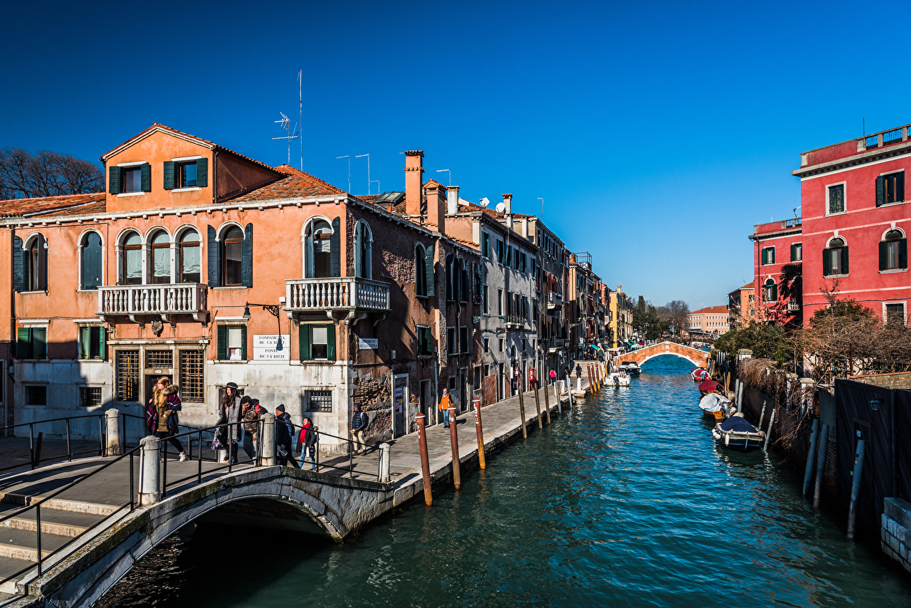 Picture Venice Italy Canal People Boats Houses Cities Building