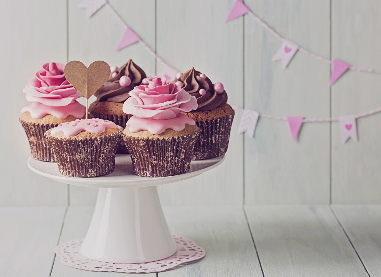 Image Heart Roses Cupcake Food Sweets Holidays boards fairy cake Wood planks
