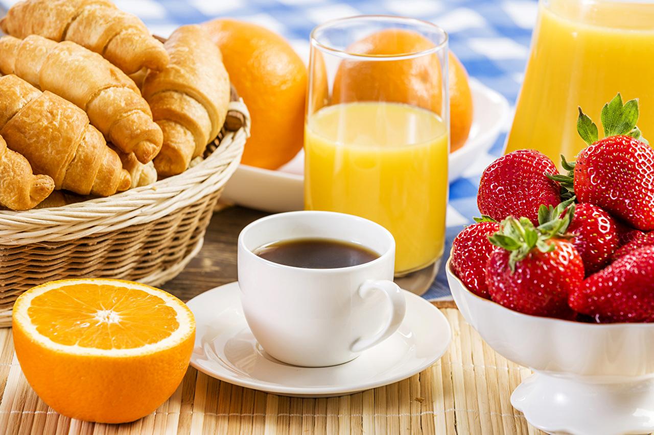 Images Juice Coffee Croissant Orange fruit Strawberry Highball glass