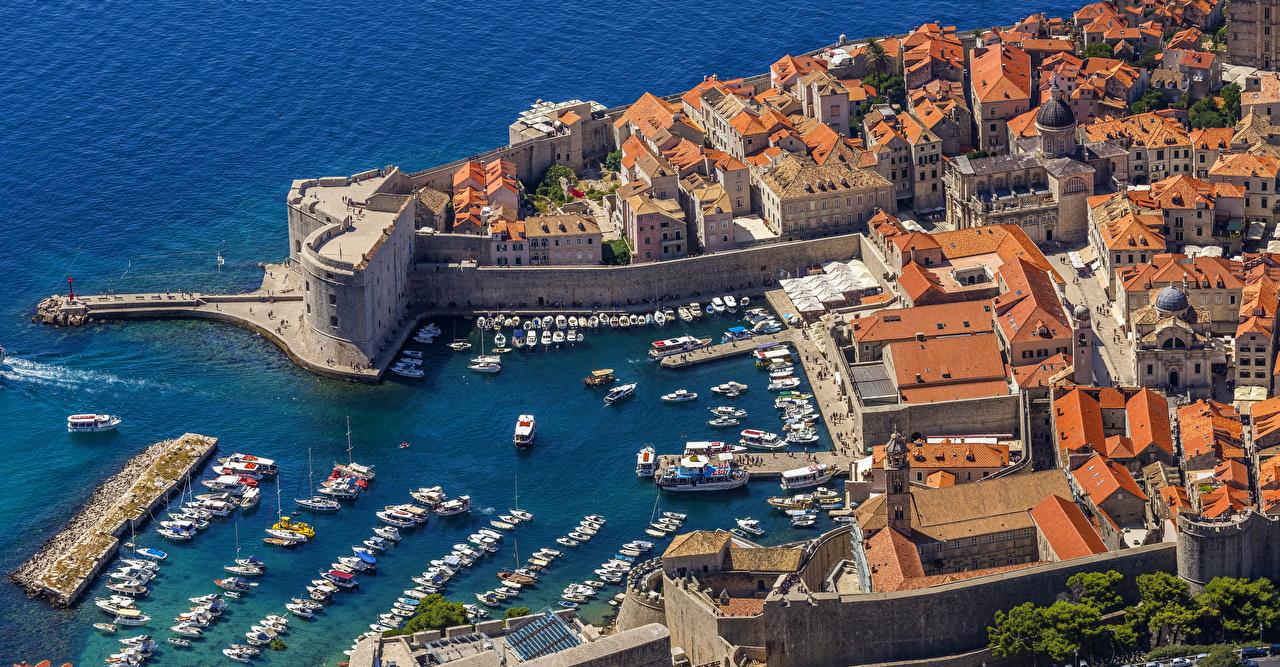 Pictures Cities Croatia Bay Pier Coast Motorboat Dubrovnik Building From above Berth Marinas speedboat powerboat Houses