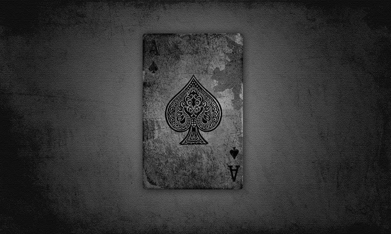 Fotos von Ass Spielkarte alte Spielkarte Großansicht Alt alter hautnah Nahaufnahme