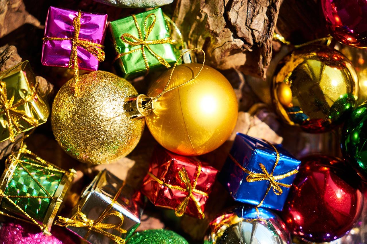 Bilder Neujahr Geschenke Kugeln Feiertage Nahaufnahme hautnah Großansicht