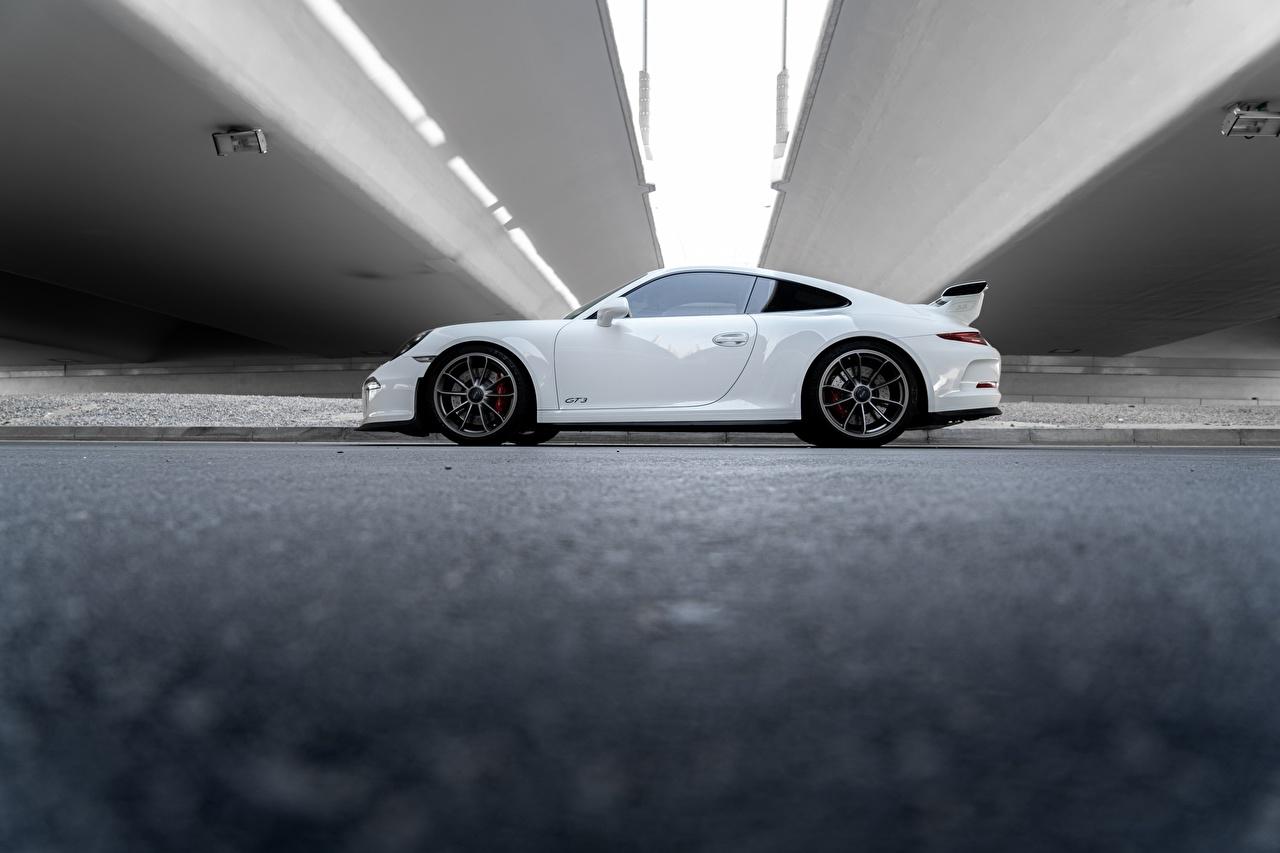 Desktop Wallpapers Porsche 911 Gt3 Rs White Side Aviation