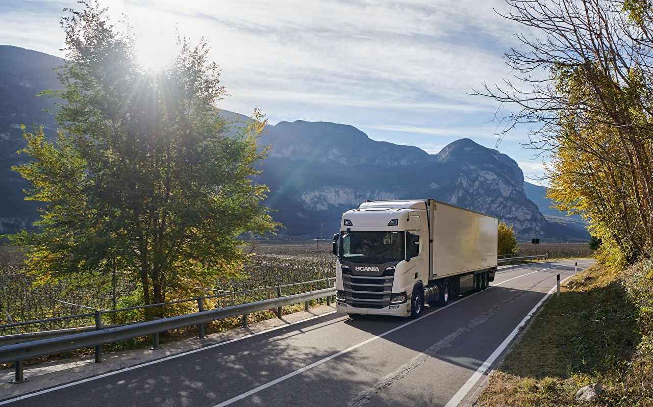 Photo lorry Scania R410 Roads moving Cars Trees Trucks Motion riding driving at speed auto automobile