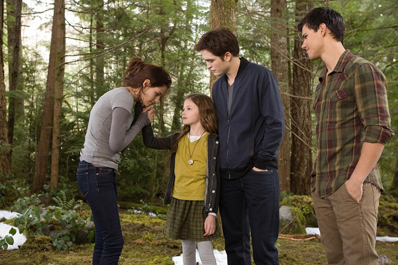 Picture The Twilight Saga Breaking Dawn The Twilight Saga Taylor Lautner Kristen Stewart Robert Pattinson film Celebrities Movies