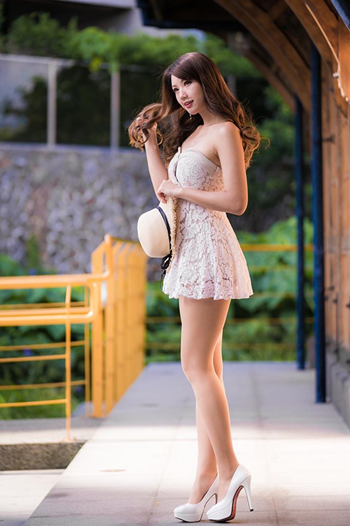 Desktop Hintergrundbilder Braune Haare schönes Der Hut Mädchens Bein asiatisches Kleid  für Handy Braunhaarige Schön schöne hübsch schöner hübsche hübscher junge frau junge Frauen Asiaten Asiatische