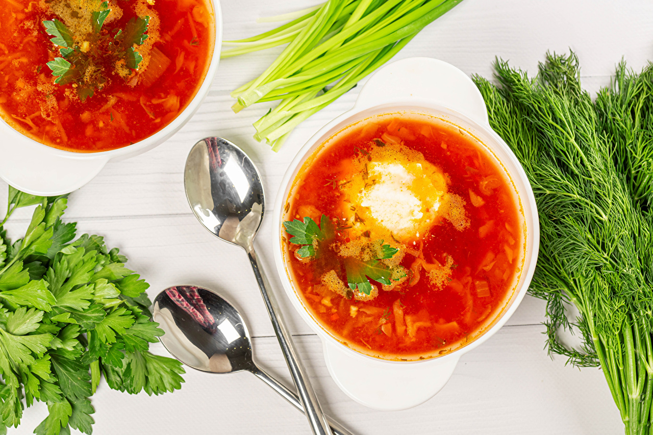 Photos Sour cream Borscht salad onions Dill Food Plate Spoon soured cream Scallion