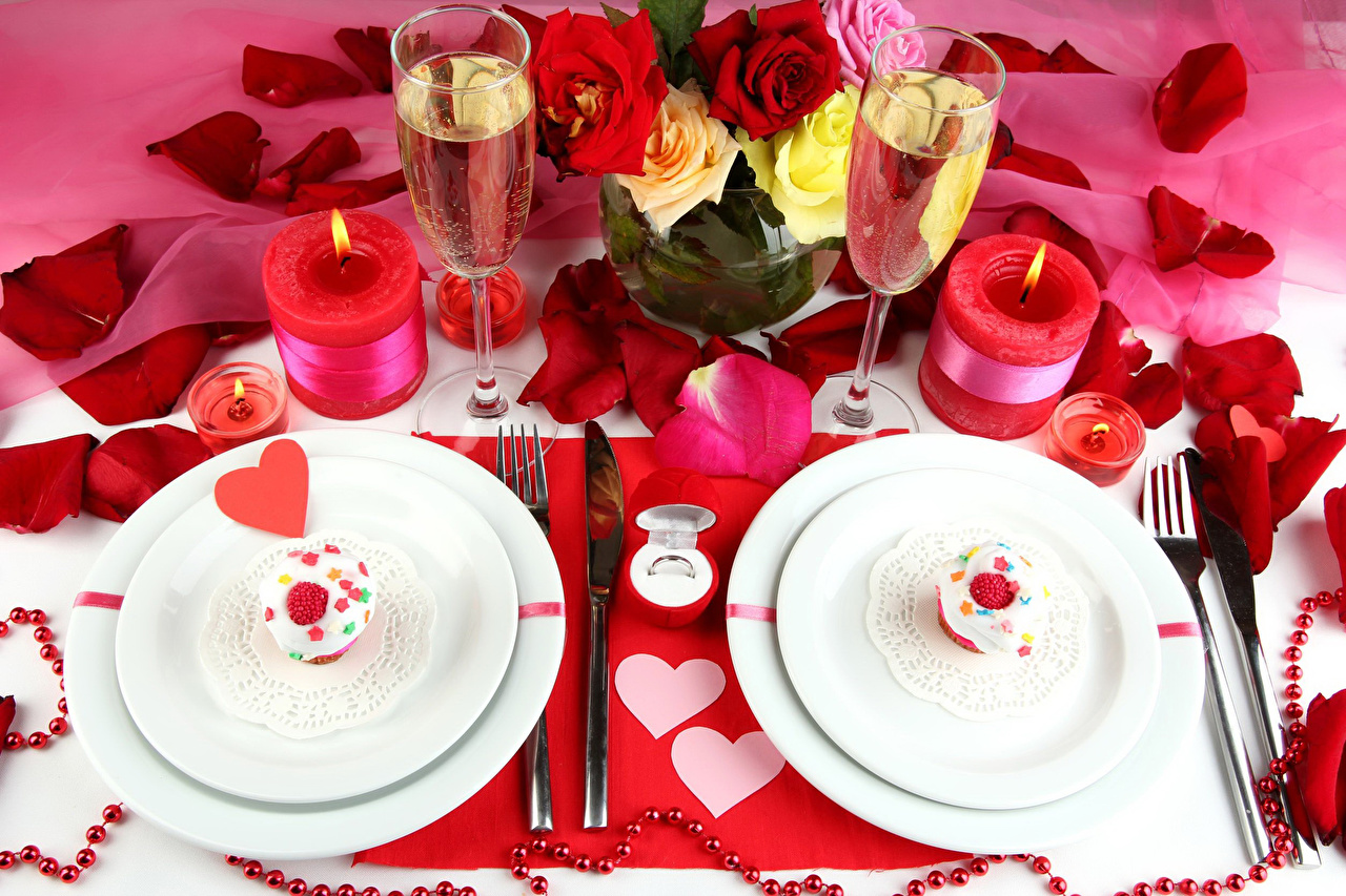Photo Heart Roses Petals Champagne Flowers Food Plate Candles Stemware Cake Holidays Sparkling wine