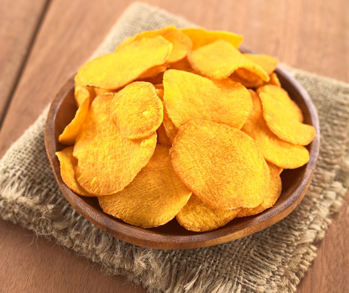 Bilder von Kartoffelchips Fast food Teller Lebensmittel Großansicht