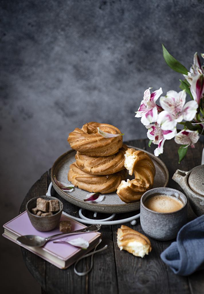 Café Cappuccino Pastelaria Tábuas de madeira Caneca Açúcar Colher Livro comida, livros Alimentos para celular Telemóvel