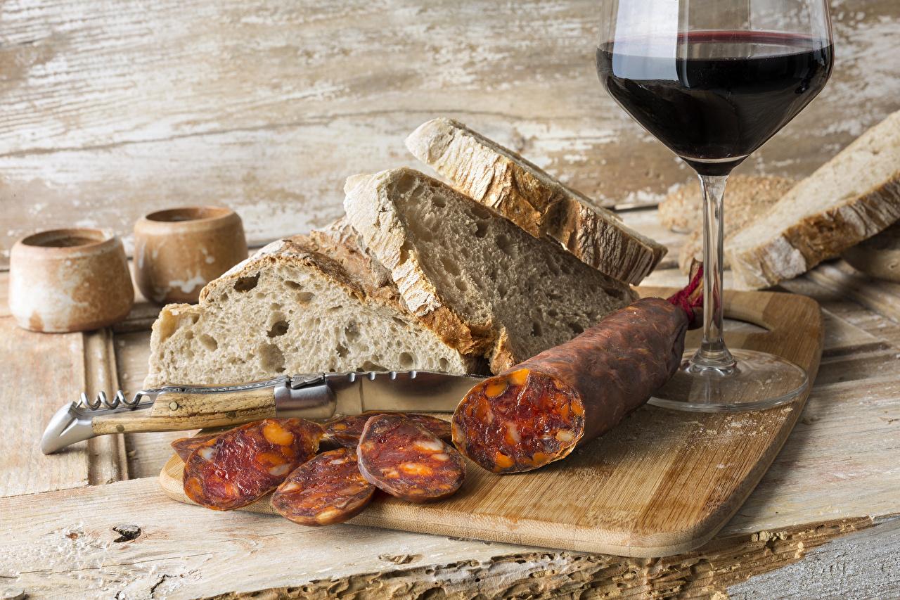 Desktop Wallpapers Wine Sausage Bread Food Stemware Cutting board Wood planks boards